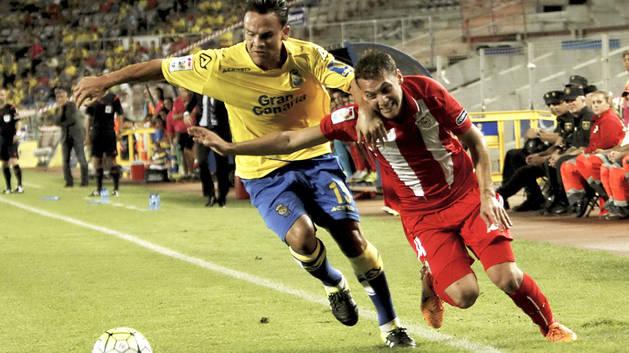 Las Palmas ahonda en la herida del Sevilla (2-0)