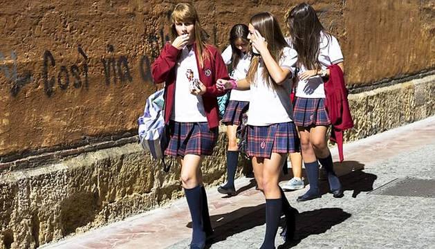 Alumnos de revista de moda en un colegio de León
