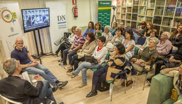 Alejandro Palomas en el Club de Lectura de Diaro de Navarra