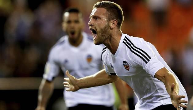 Mustafi, tras marcar al Granda en Mestalla.
