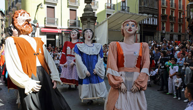 El chupinazo abre en Pamplona las fiestas de San Fermín de Aldapa