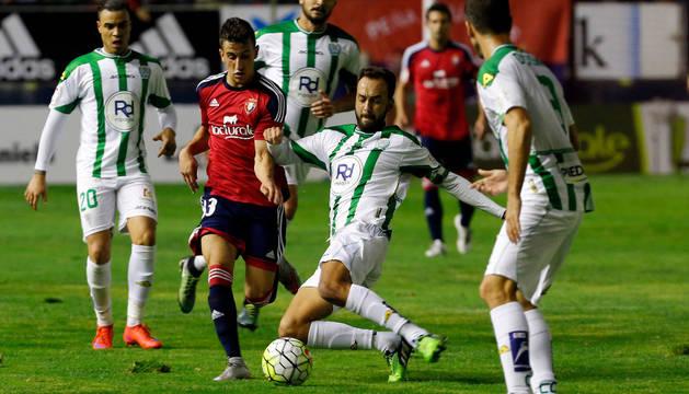 Álex Berenguer, uno de los jugadores más incisivos de Osasuna contra el Córdoba.