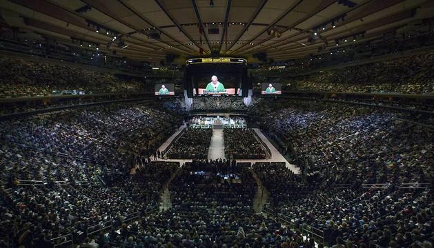 Vista general del Madison Square Garden durante la misa del Papa Francisco.