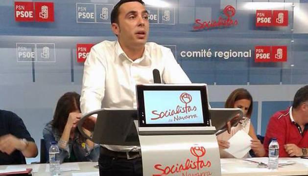 Toni Magdaleno, durante su intervención en el Comité Regional del PSN.