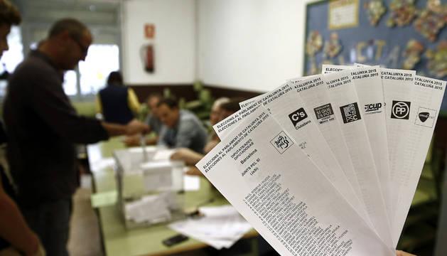 Los colegios electorales abren