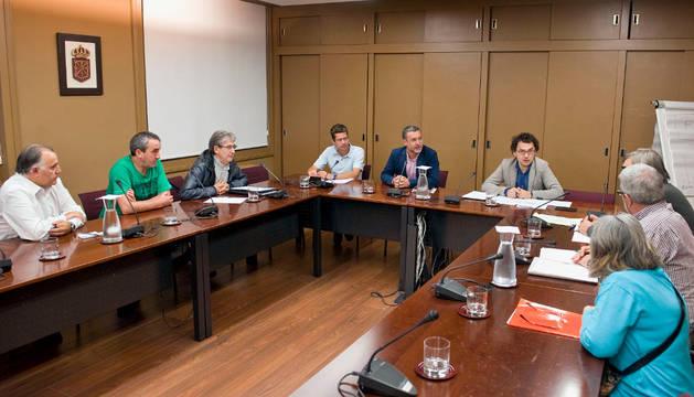Reunión con las Plataformas de Afectados por las Hipotecas con el vicepresidente de Derechos Sociales.