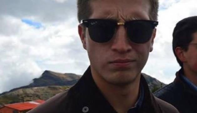 Un joven, en estado crítico tras ser atropellado por un coche que huyó