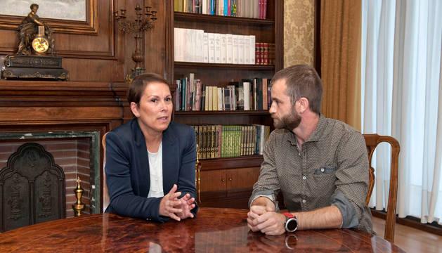 La presidenta de Navarra, Uxue Barkos, y el alcalde de Estella, Koldo Leoz.