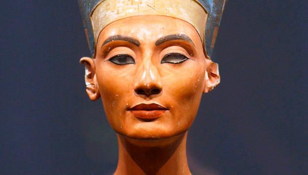 Busto de Nefertiti,