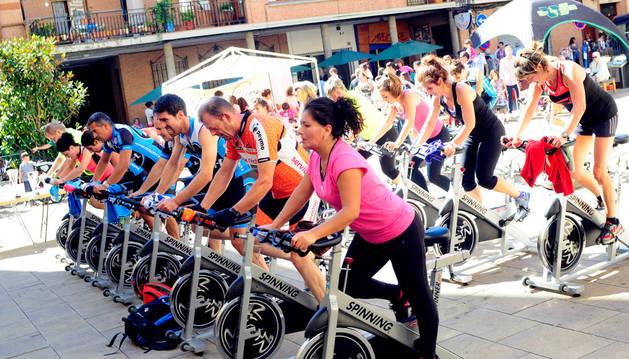 Una de las actividades del día del deporte en Peralta.