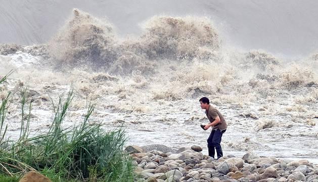 Grandes daños en Taiwán por el paso del tifón Dujuan