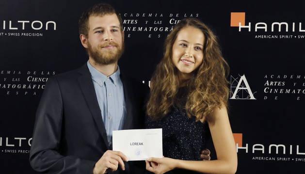 Irene Escolar y Álvaro Cervantes anunciando la representante de España en los Oscar.