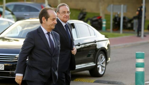 Florentino Pérez, a su llegada al tanatorio.