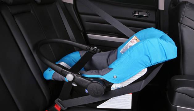 Los menores de menos de 1,36 m. deben ir ya en el asiento trasero