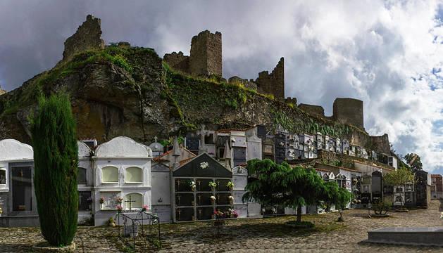 Montánchez, el cementerio con más encanto de España