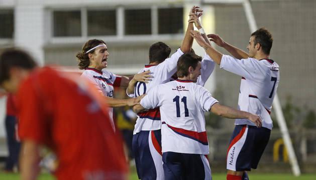 La Mutilvera celebra un gol.