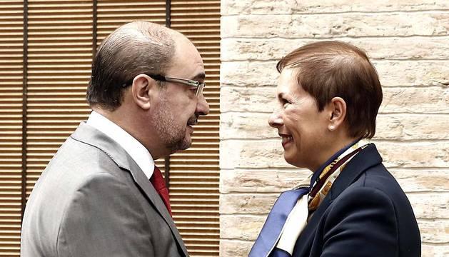 Los presidentes de Navarra y de Aragón, Uxue Barkos (Geroa Bai) y Javier Lambán (PSOE), respectivamente, han mantenido en la Casa del Almirante, en el casco histórico de la localidad navarra de Tudela.