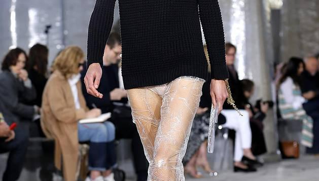 Propuestas de los modistas en la jornada del viernes 2 de octubre de 2015 en la Semana de la Moda de París.
