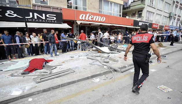 Once muertos en Ankara al chocar un autobús con una parada abarrotada