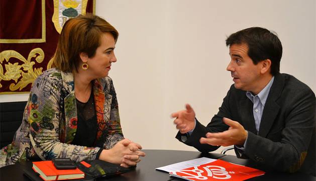 Ainhoa Aznárez y Mikel Irujo.