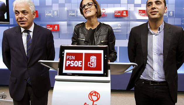 María Chivite, junto a Jesús María Fernández (i) y Toni Magdaleno.