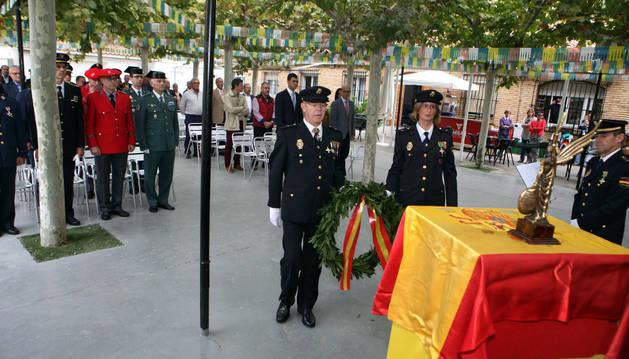 Un momento del homenaje a los fallecidos en acto de servicio que se celebró ante los asistentes.