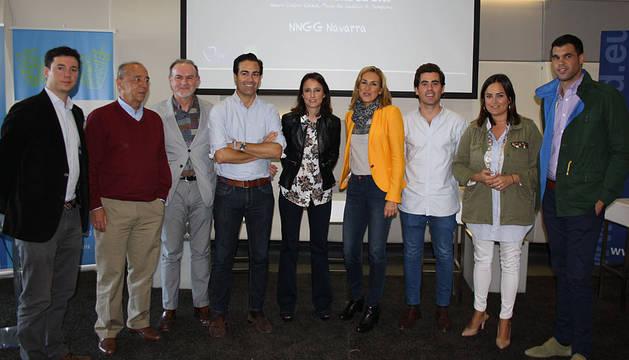En el centro, Pablo Zalba, Andrea Levy y Ana Beltrán, junto a otros dirigentes del PPN.