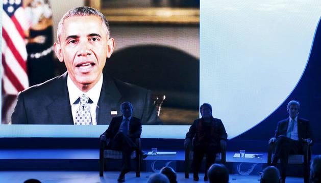 Obama habla ante Bachelet y Kerry.