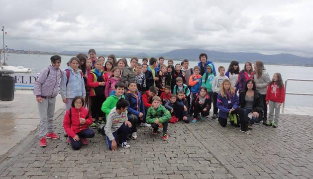 Los escolares de Viana disfrutaron de la visita a distintos lugares de Cantabria.