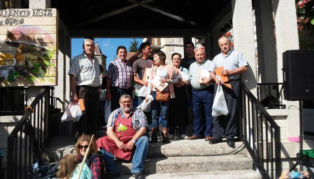 Premiados en el concurso de migas de pastor en la fiesta celebrada el sábado.