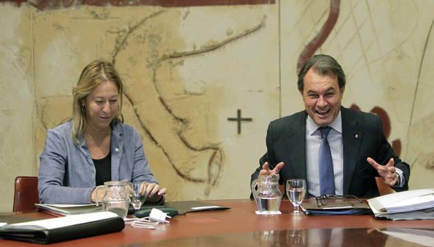 El presidente de la Generalitat, Artur Mas, junto a la vicepresidenta Neus Munté.