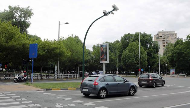 Imagen de uno de los 180 cruces regulados con semáforos.