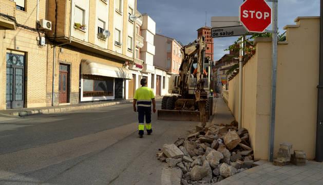 Trabajadores perceptores del EDA en San Adrián. en la eliminación de barreras arquitectónicas.
