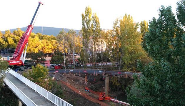 Instalada la estructura de la nueva pasarela de San Jorge