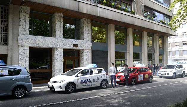 Las autoescuela se han manifestado por el centro de Pamplona