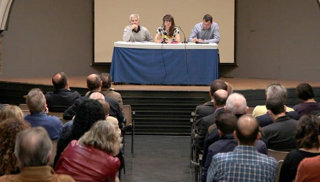 Reunión del Ayuntamiento de Pamplona con clubes y federaciones deportivas.