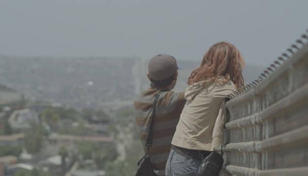 Fotograma de 'Muros', la película dirigida por Migueltxo Molina y Pablo Iraburu.