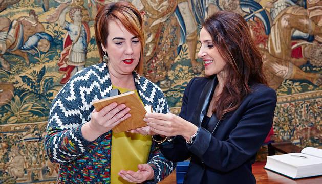 Ainhoa Aznárez (izda.) y Bakartxo Tejeria.