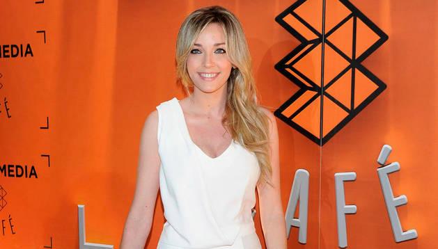 La presentadora Anna Simon.