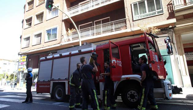 Incendio sin heridos en un piso de la Avda. Zaragoza