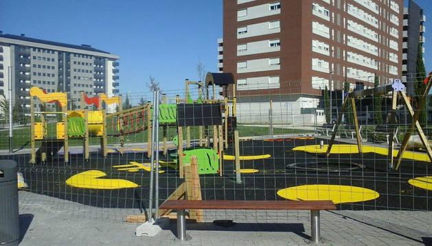 El nuevo parque infantil de Erripagaña, prácticamente operativ