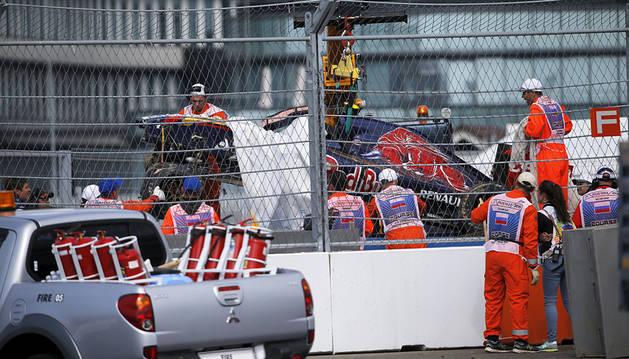 Carlos Sainz, consciente tras sufrir un accidente en el GP de Rusia