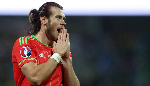 Bale se clasificó con Gales.
