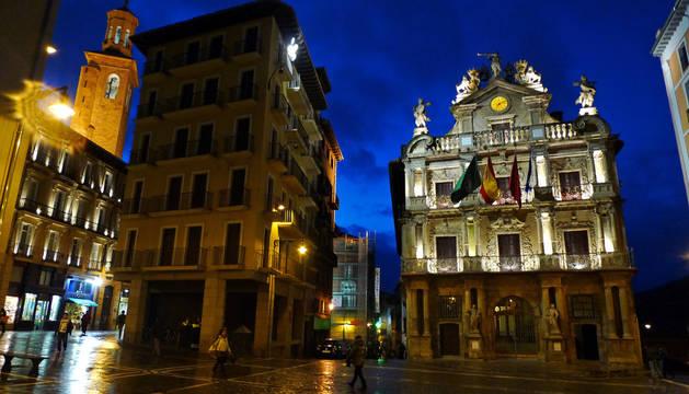 2.725 admitidos en la convocatoria para auxiliares administrativos en Pamplona