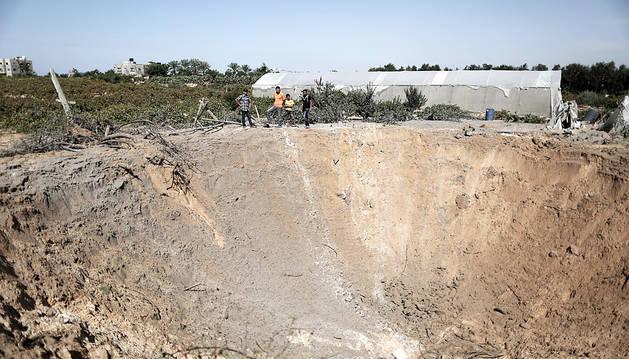 Dos muertas tras derrumbarse una casa en Gaza por bombardeos israelíes