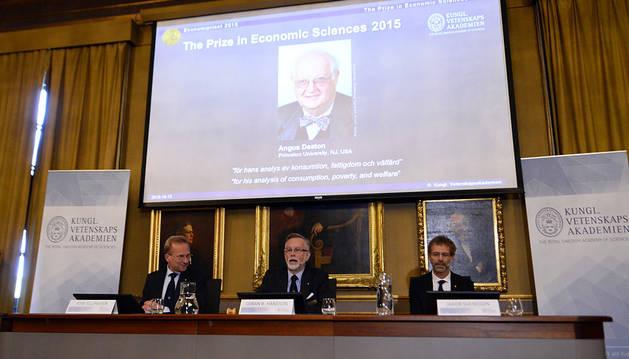 Momento del anuncio del Nobel de Economía 2015.