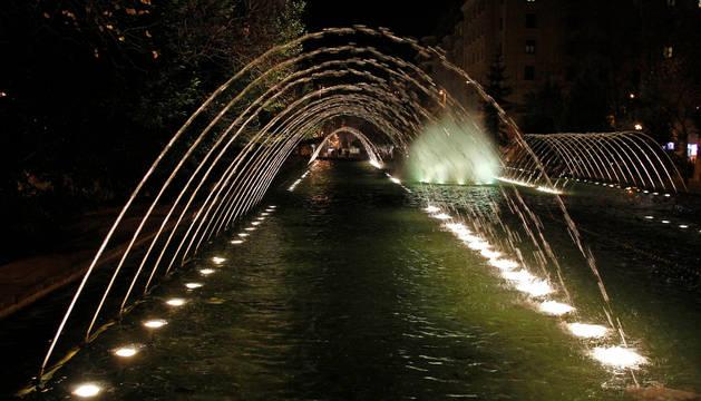 Imagen de una fuente de Pamplona.
