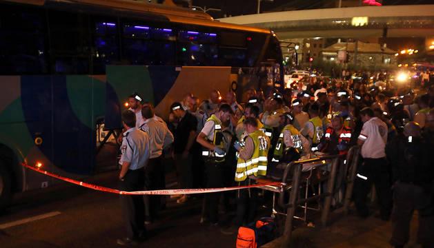 21 israelíes heridos graves en dos ataques con cuchillos en Jerusalén