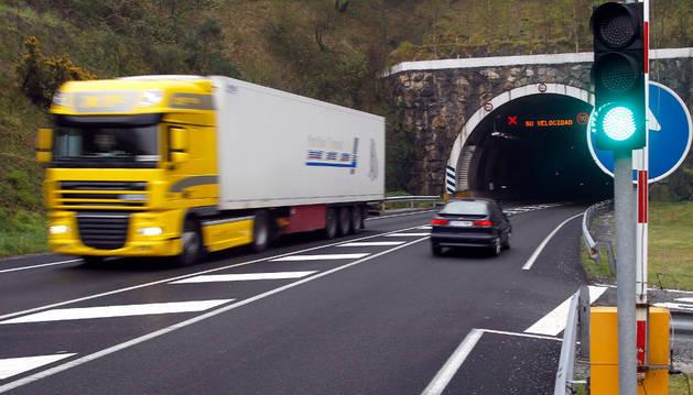 Imagen del acceso norte de uno de los túneles que atraviesan Belate.