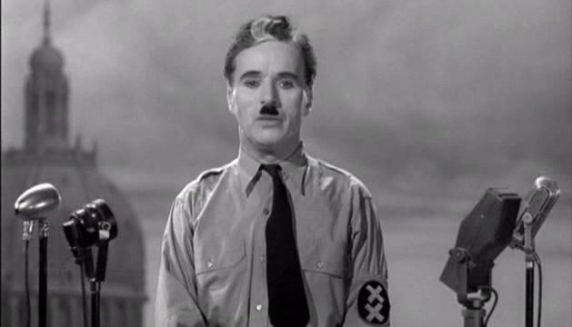 Charles Chaplin en 'El gran dictador'.